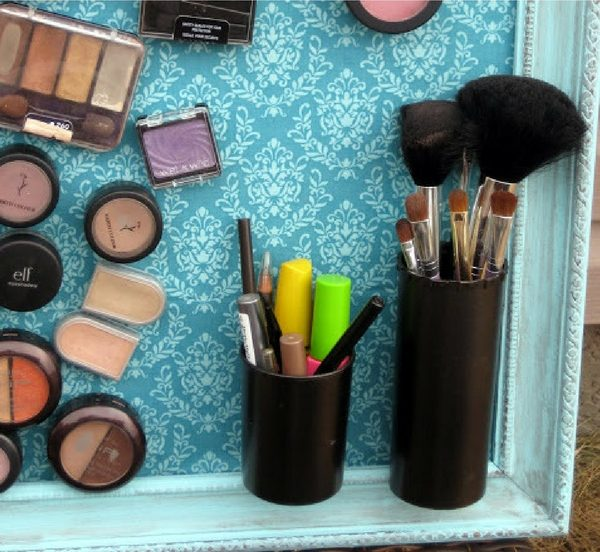 How to make an easy DIY makeup magnet board for a small bathroom