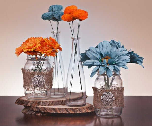 Check out how to make a DIY rustic centerpiece from mason jars @istandarddesign