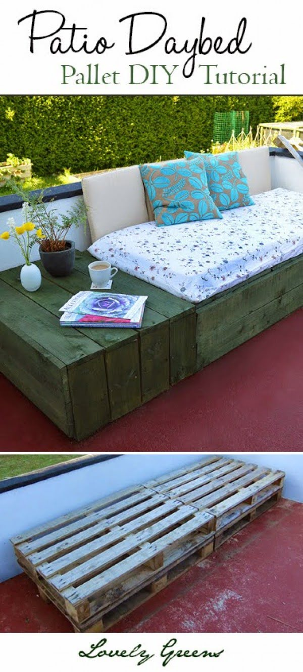Check out how to build a DIY patio pallet daybed