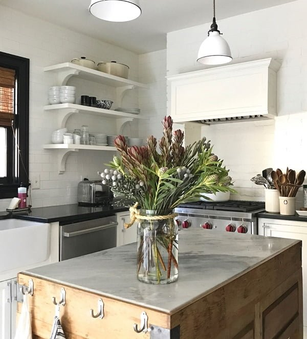 25 Easy DIY Kitchen Island Ideas That You Can Build on a Budget - How to make a #DIY rustic kitchen island #homedecor