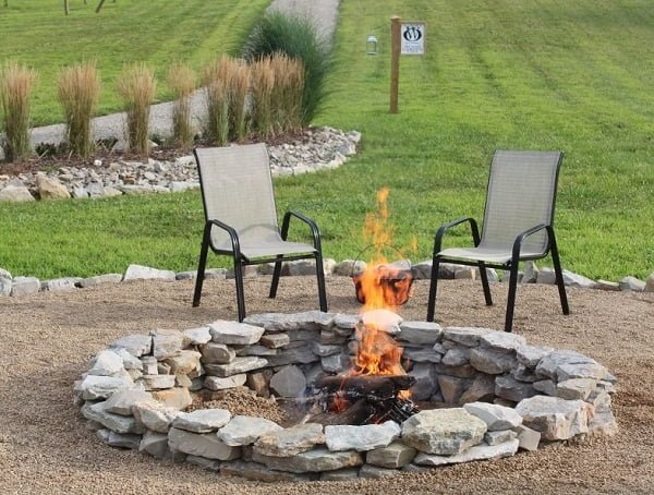 How to make a beautiful  masonry fire pit in your . Great project!