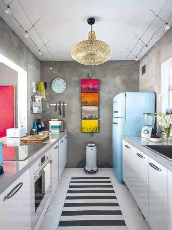 Industrial style in this tiny #kitchen all the way! Love it! #homedecor