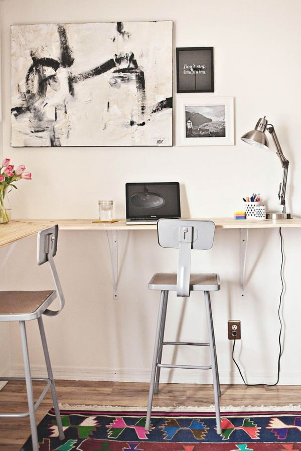 Check out the tutorial how to build a DIY standing desk @istandarddesign