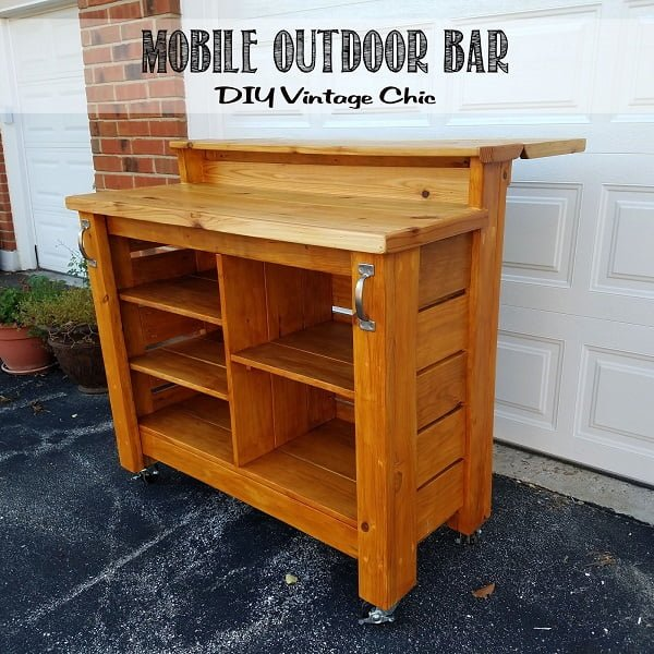 How to build a #DIY mobile outdoor bar #homedecor