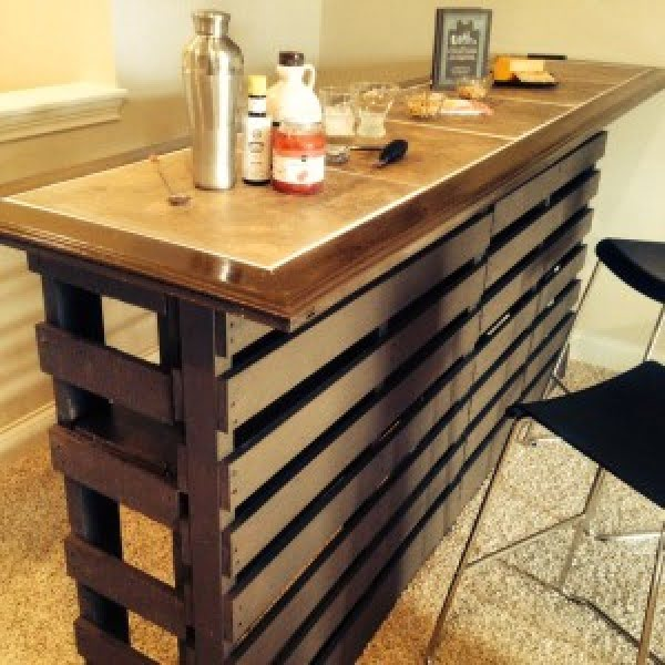 How to build a #DIY outdoor bar #homedecor