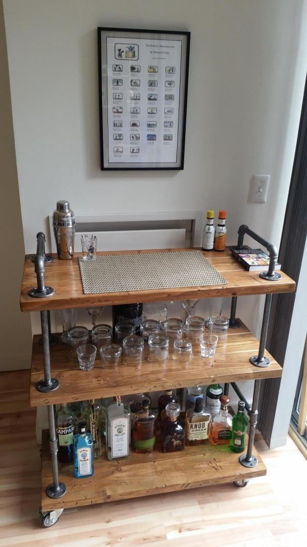 How to build a #DIY industrial bar cart #homedecor