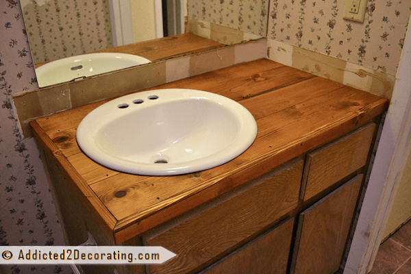 How to make a #DIY wood bathroom vanity for $35 #homedecor