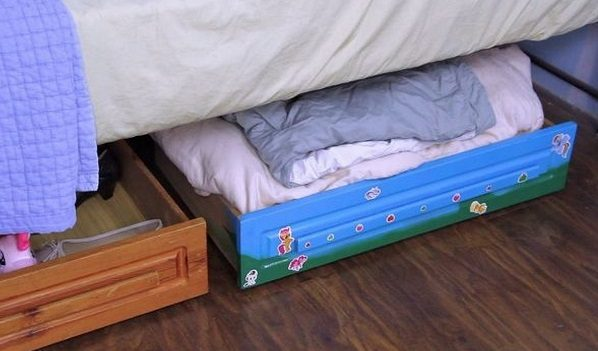 How to build DIY under bed storage drawers