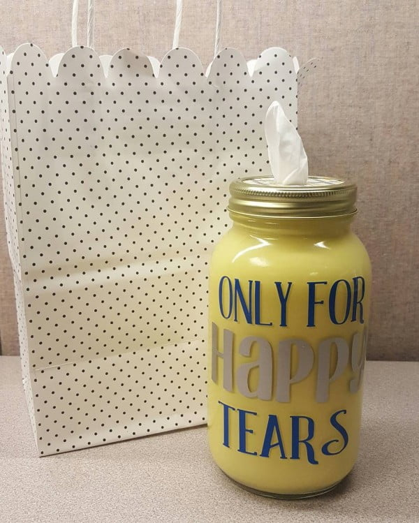 Love this #cricut mason jar container #project #crafts