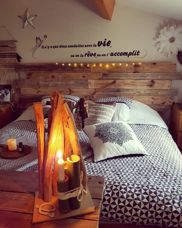#Rustic headboard and string lights. A winning combination! #homedecor