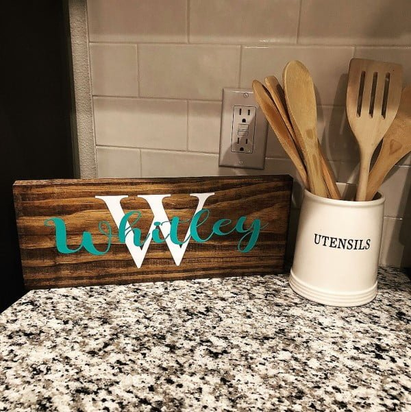 30 Cool Cricut Project Ideas That You Can Use in Home Decor - Love this   kitchen countertop sign