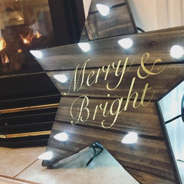 Love this #cricut rustic light up wall sign #project #crafts