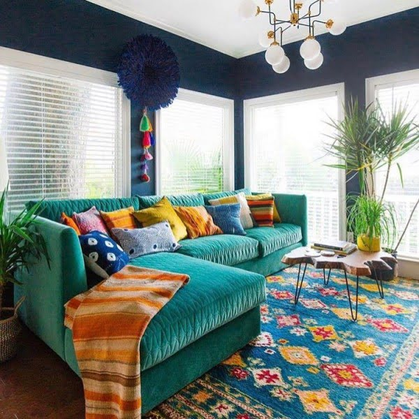 30 Unique Home Decor Ideas That Are Totally Doable - Love the choice of colors in this living room