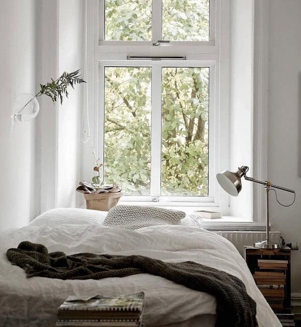 Such a cozy minimalist bedroom decor idea. Love it!