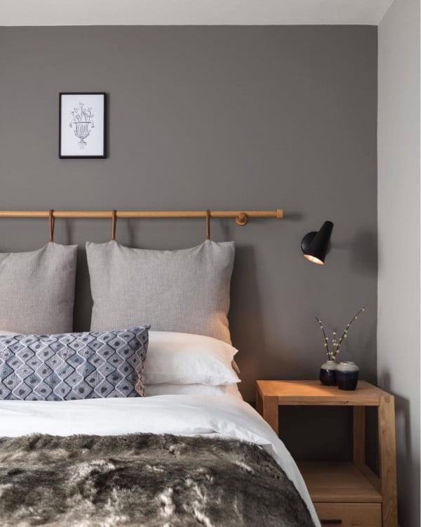 Such a simple idea for a modern #bedroom decor look! Love it! #homedecor