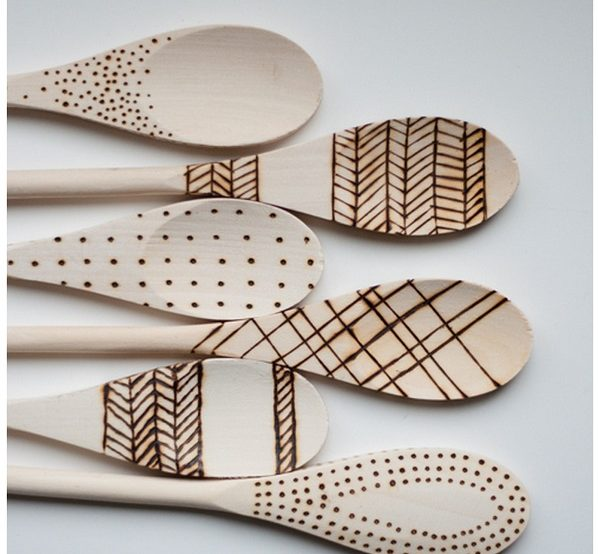 Check out this easy idea on how to make  etched wood spoons that you can make and