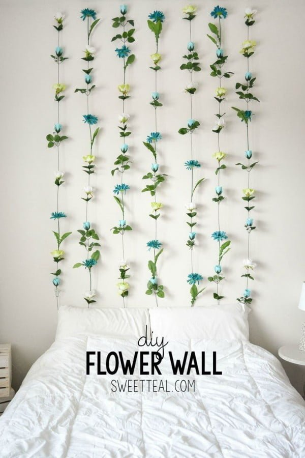 Check out this easy idea on how to make a #DIY flower wall #DIYHomeDecor #HomeDecorIdeas #BedroomIdeas
