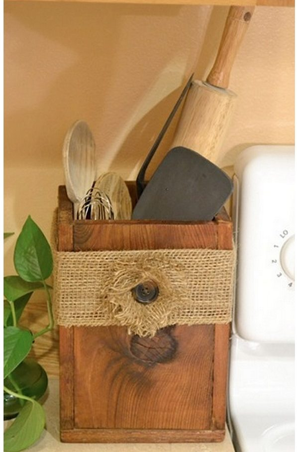 Check out this easy idea on how to make a  wooden utensil box that you can make and sell