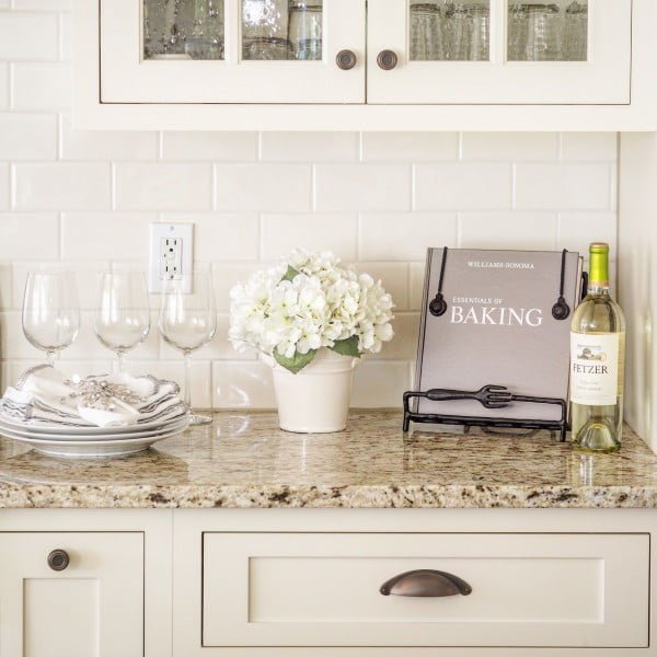 Subway tiles and  countertops make a winning combination. Love it!