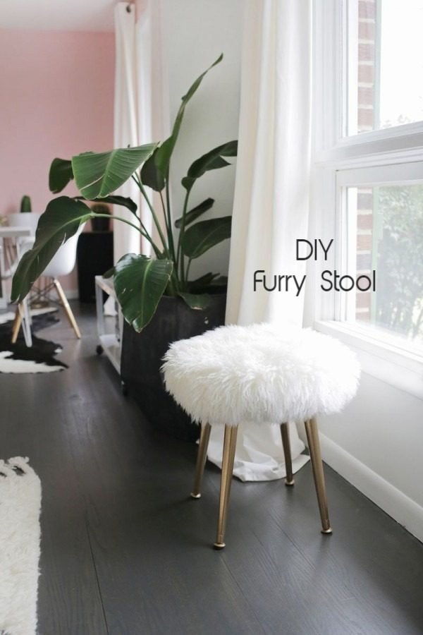 Check out this easy idea on how to make a #DIY fur stool with golden legs #DIYHomeDecor #HomeDecorIdeas