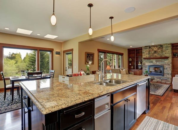 New Venetian Gold #granite countertops loo so luxuriouse. Love this #kitchen decor!