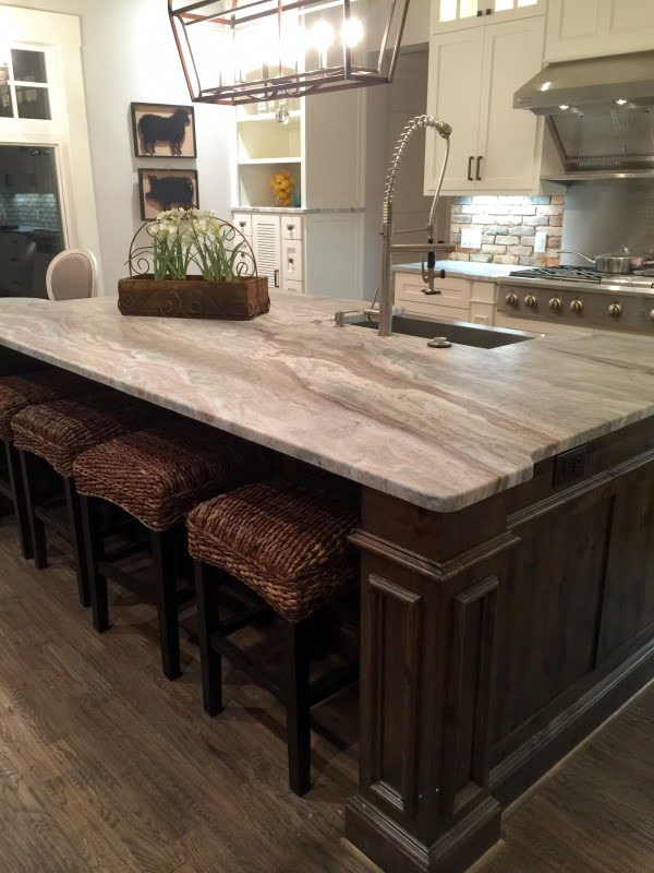 Leathered  countertops work so well in   decor!