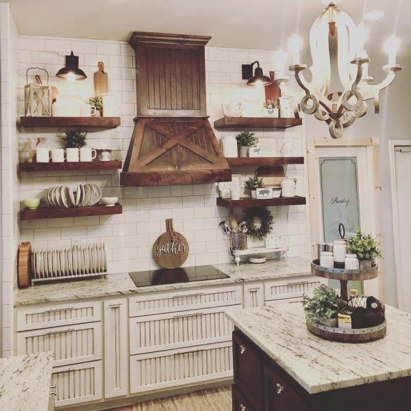 Those cabinets! Love this #farmhouse kitchen! #homedecor