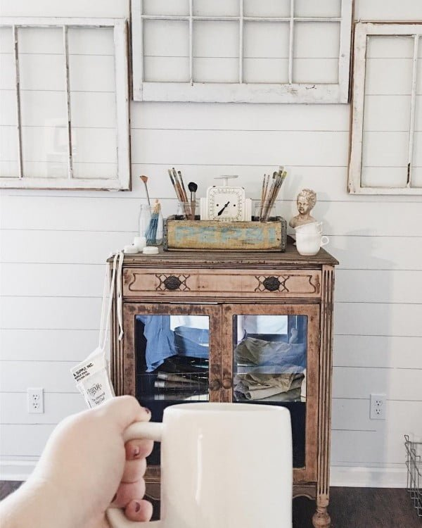 Can't have too much of old window frames! #farmhouse #homedecor
