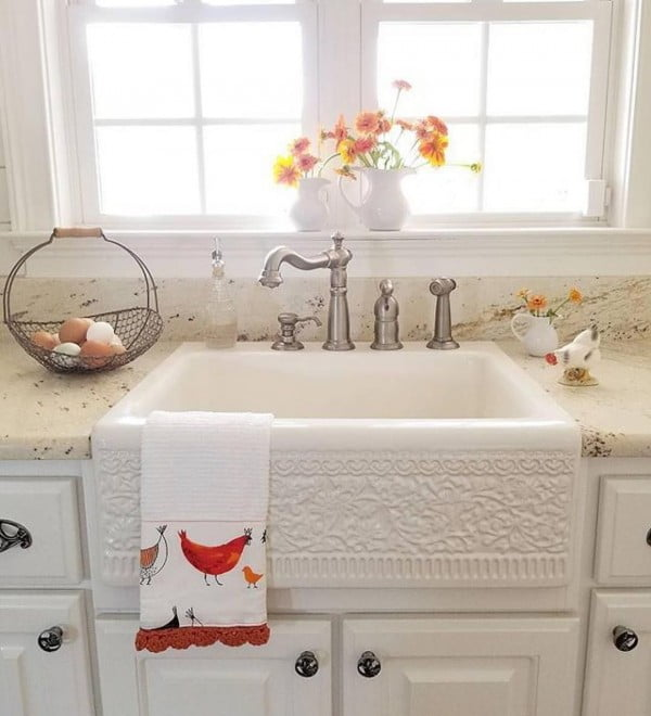 Love the embellished sink here and the #farmhouse style! #homedecor
