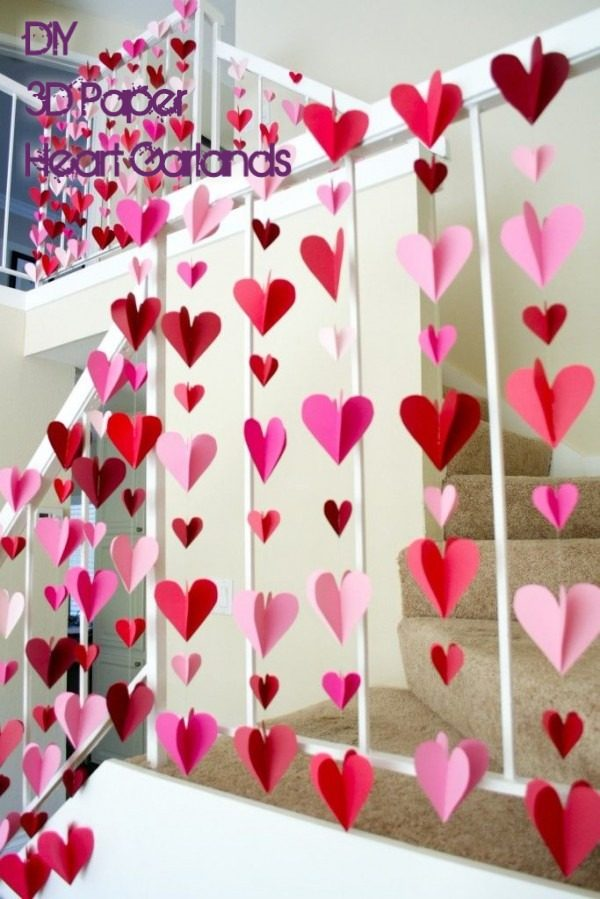 Check out this easy idea on how to make #DIY 3-D paper heart garlands for #ValentinesDayDecor #ValentinesDayCrafts #ValentinesIdeas