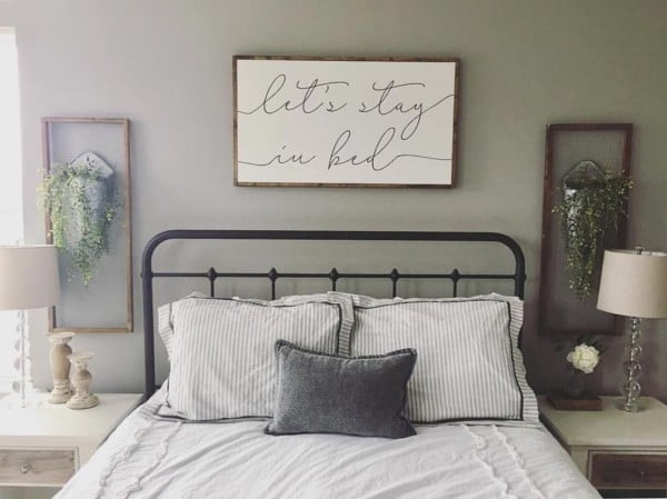 Simple and stylish. Love this #bedroom! #farmhouse #homedecor