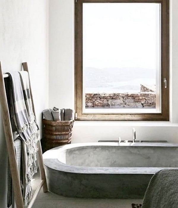 Concrete  tub! So  and minimalist at the same time. Love it!