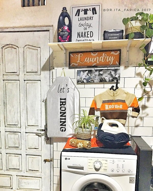 100 Fabulous Laundry Room Decor Ideas You Can Copy - Love this eclectic laundry room decor idea. Great inspiration!