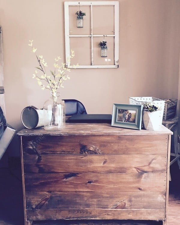 100 Charming Farmhouse Decor Ideas for Your Home Office - Check out this #farmhouse style home office decor with an old window frame wall art and rustic accents. Love it! #HomeDecorIdeas #HomeOfficeIdeas #FarmhouseStyle