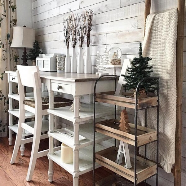 100 Charming Farmhouse Decor Ideas for Your Home Office - Check out this #farmhouse style home office decor with a whitewashed accent wood plank wall. Love it! #HomeDecorIdeas #HomeOfficeIdeas #FarmhouseStyle