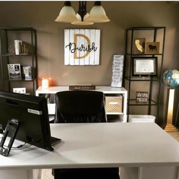 100 Charming Farmhouse Decor Ideas for Your Home Office - Check out this #farmhouse style home office decor with pallet wall sign. Love it! #HomeDecorIdeas #HomeOfficeIdeas #FarmhouseStyle