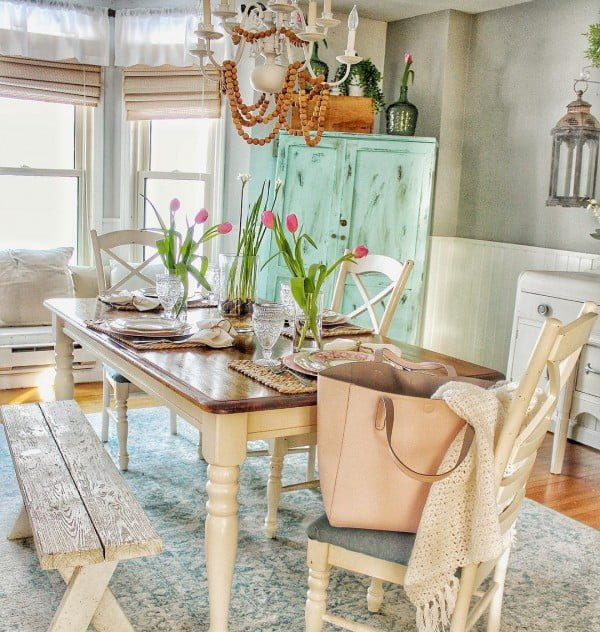 100 Stunning Farmhouse Kitchen Decor Ideas You Have to Try - This awesome rug makes the perfect anchor for a #farmhouse dining area in a #kitchen. Love it! #KitchenDecor #HomeDecorIdeas