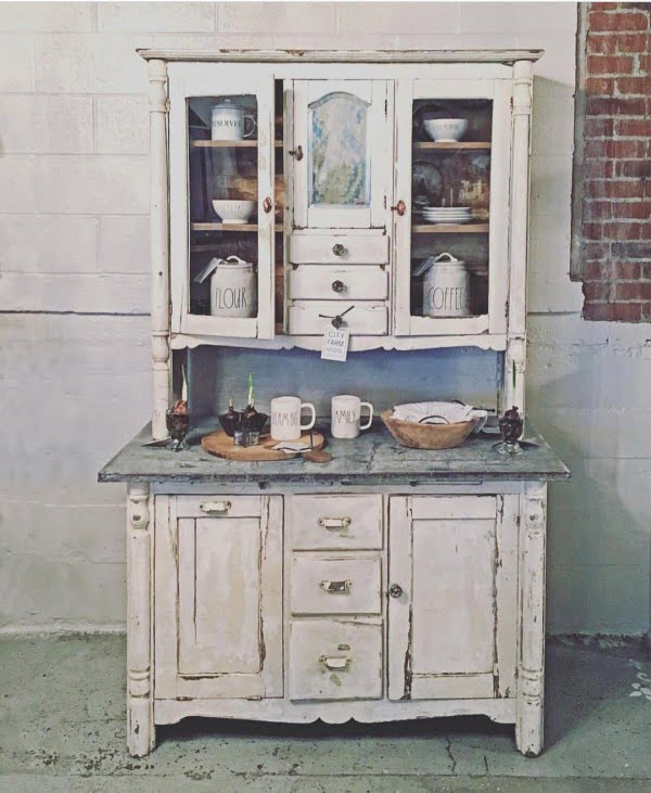 100 Stunning Farmhouse Kitchen Decor Ideas You Have to Try - Vintage cupboard for the most stunning #farmhouse #kitchen decor eve. Love it! #KitchenDecor #HomeDecorIdeas