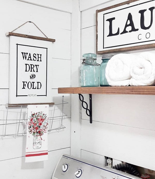 100 Fabulous Laundry Room Decor Ideas You Can Copy - #Farmhouse style laundry room decor idea. Love this! #homedecor