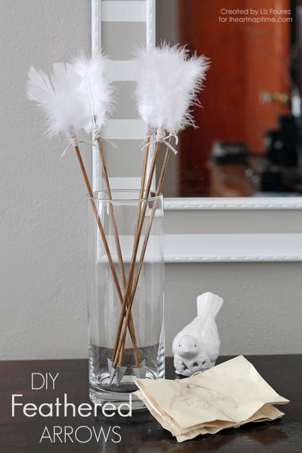 Check out this easy idea on how to make #DIY feathered arrows for #ValentinesDayDecor #ValentinesDayCrafts #ValentinesIdeas