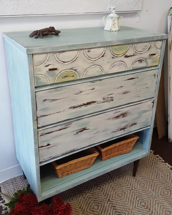 30 Most Impressive DIY Makeovers of Flea Market Finds - Check out this   flip of a mid-century dresser