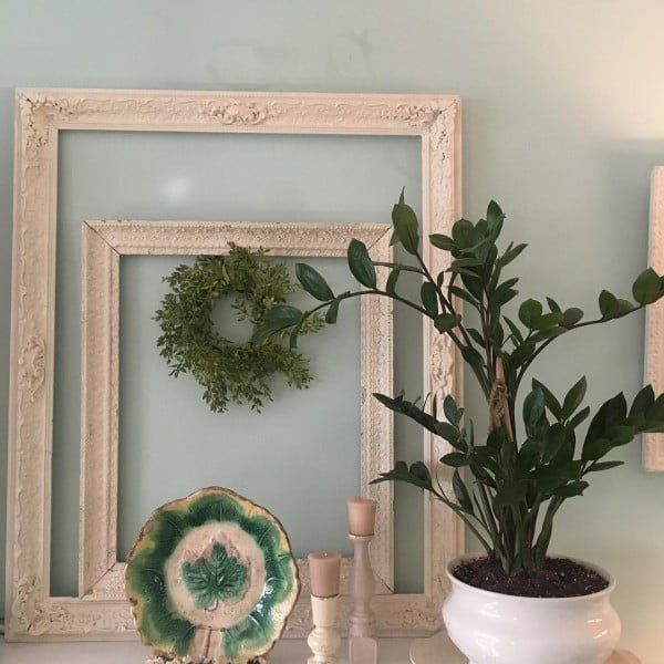 30 Most Impressive DIY Makeovers of Flea Market Finds - Check out this   flip of old picture frames