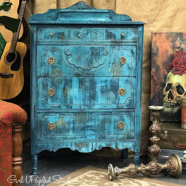 30 Most Impressive DIY Makeovers of Flea Market Finds - Check out this   flip of a distressed paint dresser