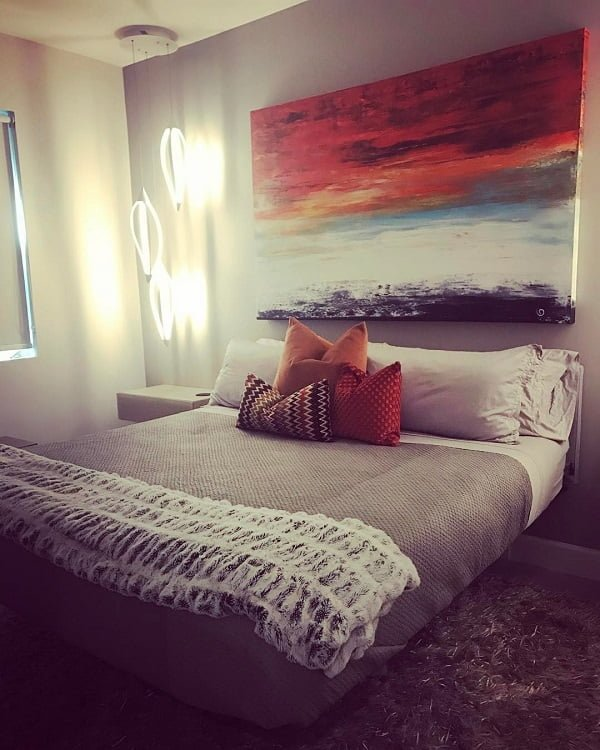 Awesome #bedroom decor with a floating bed. Love this! #BedroomIdeas #BedroomDecor #HomeDecorIdeas