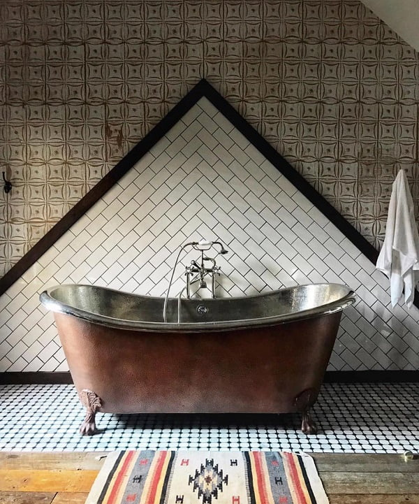 Gorgeous wall tiling in this  decor. Love it!