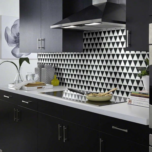 Check out this triangle tile #KitchenBacksplash and the brilliant #KitchenDecor. Love it! #HomeDecorIdeas