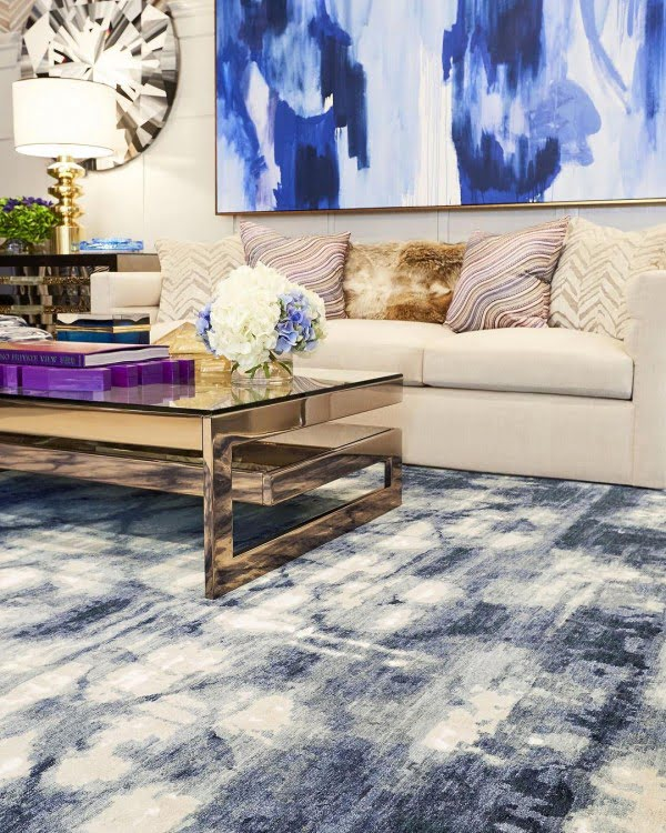 Dramatic Artwork Living Room Idea
