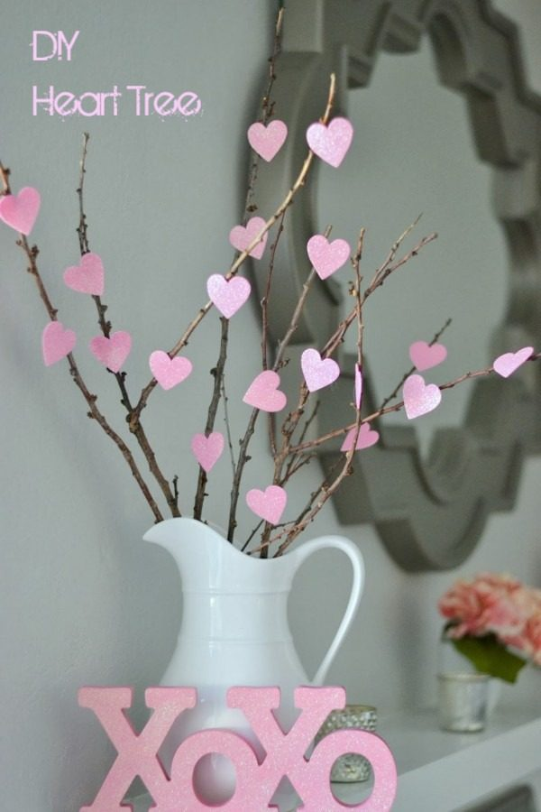 Check out this easy idea on how to make a #DIY heart tree for #ValentinesDayDecor #ValentinesDayCrafts #ValentinesIdeas