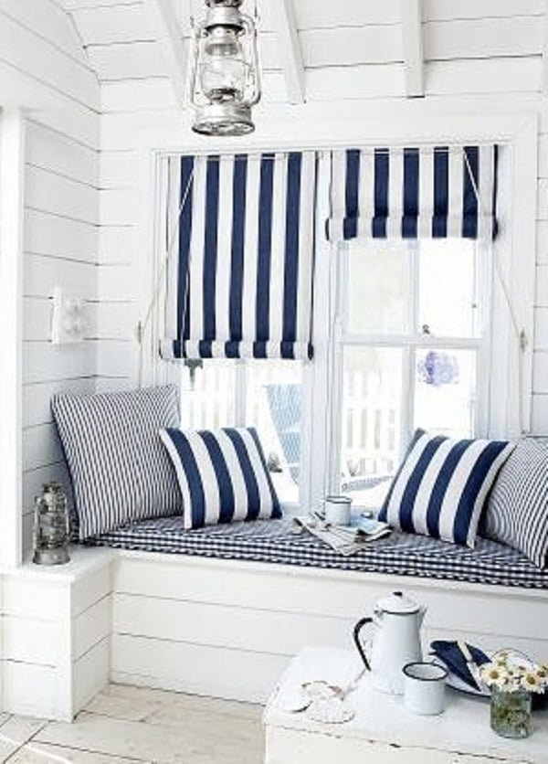 Few things scream   decor like white shiplap walls. Love this!