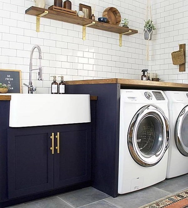 100 Fabulous Laundry Room Decor Ideas You Can Copy - Check out this laundry room decor idea with subway tile. Love this! #LaundryRoomDesign #HomeDecorIdeas
